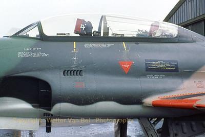 BAF_T-33_FT28_canopy_1976_Brustem_EBST_WVB_scan20070430-3_1200px