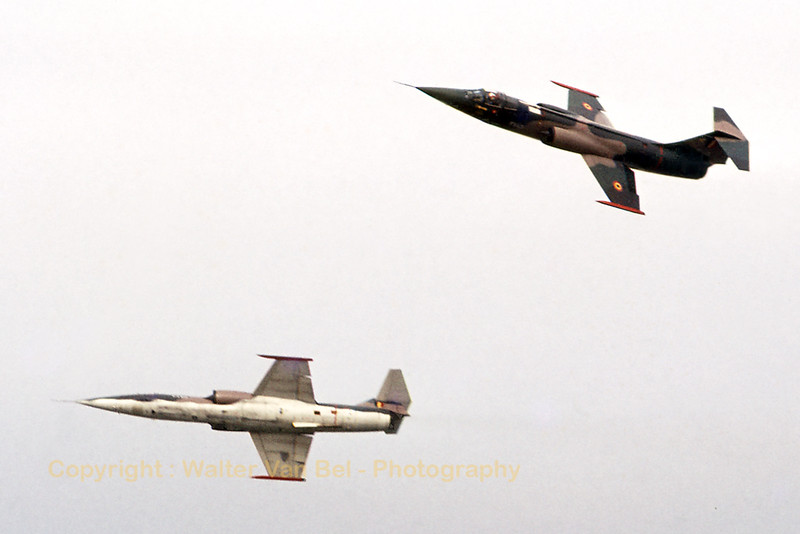 """The Slivers"" - a Belgian Air Force demo team, using two F-104G's - in action, during the seventies."