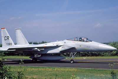 A F-15 Eagle (77-0089; CR; cn370/A301) on the taxiways of Soesterberg AFB, on its way to the active runway. Scan from old slide.