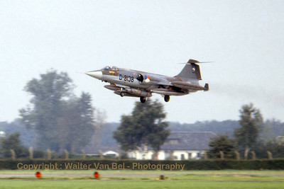 A high-speed photographer from Volkel AFB caught on slide-film during the late seventies. A Netherlands Air Force RF-104G - with a recce-pod - coming in to land after a mission.