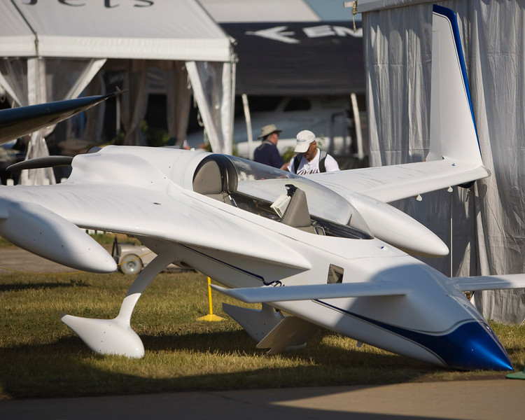 Long-EZ 'Deja Vu' at Oshkosh 2009.  This is the rebuilt prototype Long-EZ N79RA.