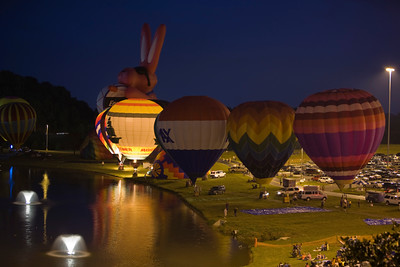 Photo taken September 27, 2008.  The balloon glow, Pellissippi State Community College Balloon Festival, 2008.