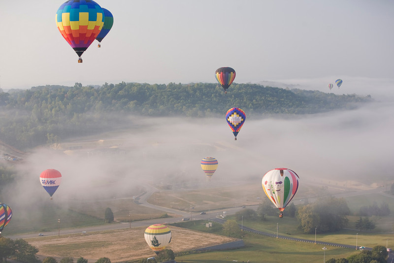 "Photo taken September 28, 2008.  The ""Hare and the Hound"" BFA task flight, Pellissippi State Community College Balloon Festival, 2008."