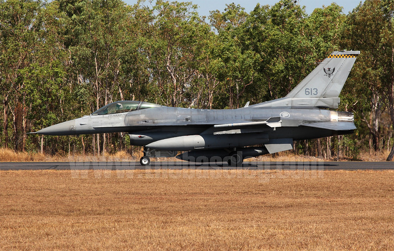 Singapore currently operates 20 F-16C Block 52 aircraft in its 60-strong F-16 fleet. 613 is from the first batch of aircraft, ordered in 1994 and serialed 94-0271.