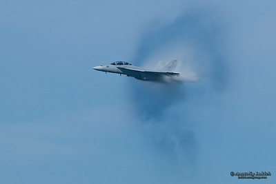SAN FRANCISCO, CA - OCTOBER 9: VFA-122 Boeing F/A-18F Super Hornet aircraft surrounded in vapor cone during 2011 Fleet Week on October 9, 2011 in San Francisco, CA.