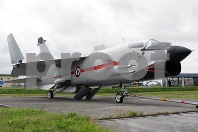 FAF_Navy_Vought_F-8P_Crusader_11_cn1228_LDV-LFRJ_20080627_IMG_2330_WVB_1200px