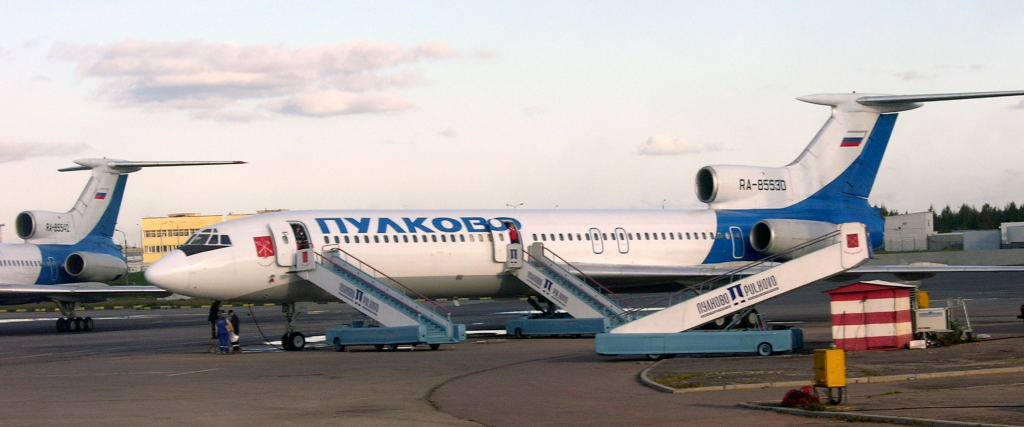 Russia: Pulkovo airport, St Petersburg (LED / ULLI), 2004