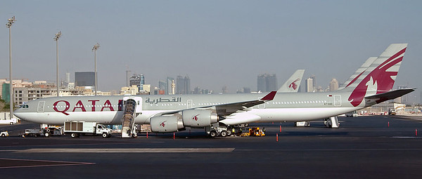 Qatar: Doha international airport (DOH / OTBD), 2007