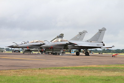 French AF Rafale C's, 142/4-GU & 115/4-IT + Dassault Mirage 2000N, 366/125-BC, on the flight line - 10/07/16.