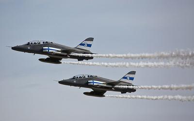 Finnish AF BAe Hawk Mk.51's, HW-334 & HW-345, Midnight Hawks display team - 17/07/17