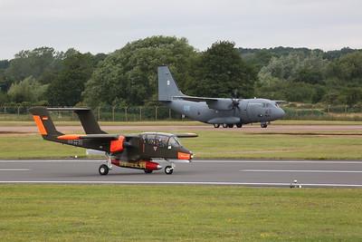 Aviation North American OV-10B Bronco, G-ONAA (99+18) & Lithuanian AF Alenia C-27J Spartan, 06 Blue - 22/07/19
