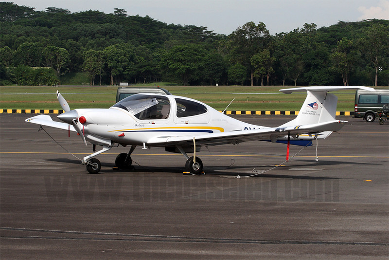 Diamond DA-40 trainer operated by the RSAF-owned Singapore Youth Flying Club. It was used to simulate an unknown intruder during the aerial display