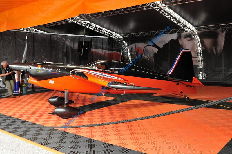 Nicolas Ivanoff's aircraft.  #27 - Edge 540.