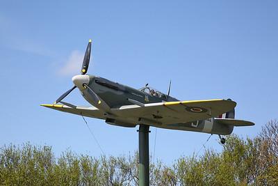 Replica Supermarine Spitfire MkVb, W3644, Fairhaven Lake - 23/04/17.