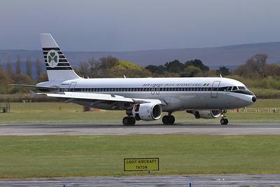 Aer Lingus Airbus A320-214, EI-DVM, in retro livery, landing on Runway 1 - 30/04/16.