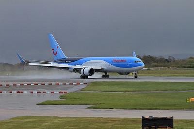Thompson Boeing 767-304ER(WL), landing on Runway 1 - 30/04/16.