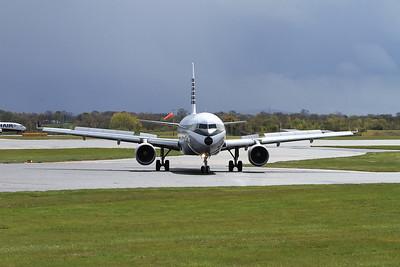 Aer Lingus Airbus A320-214, EI-DVM, just landed on Runway 1 - 30/04/16.
