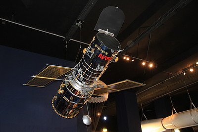 Approx one fifth scale model of the Hubble Space Telescope - 09/01/16.