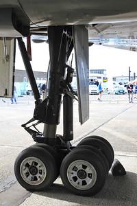 Avro Vulcan B2, XH558 / G-VLCN - undercarriage - 06/09/15.