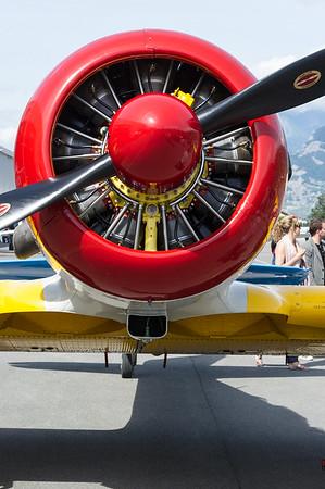 portes ouvertes aeroport de Sion, le 12 juin 2011.  Ce T6 Texan de North American Aviation a ete construit entre 1940 et 1945. il a combattu lors de la guerre d'Algérie.