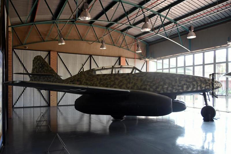 Messerschmitt Me-262B-1A Red 8 / 110305, South African National Museum of Military History, Johannesburg, 20 September 2018 1.