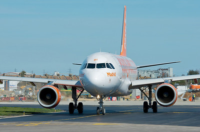 Madrid taxies to Stansted