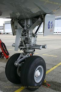 BAF_Airbus-A310_CA-01_nose-wheel_EBMB_20060519_CRW_4246_RT8_WVB_edit4