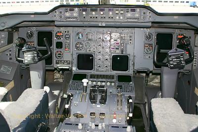 BAF_Airbus-A310_CA-01_cockpit_EBMB_20060519_CRW_4256_RT8_WVB