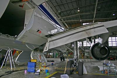 BAF_Airbus-A310_CA-02_maintenance_EBMB_20060519_CRW_4329_RT8_WVB