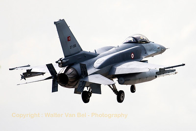 Turkish Air Force F-16CJ Fighting Falcon (07-1006; cnNV-6) on final for RWY26 at Wittmund at the end of another JAWTEX-mission.
