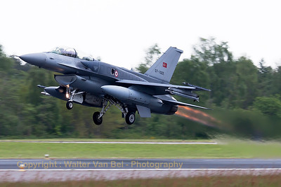 "Turkish Air Force F-16DJ Fighting Falcon (07-1022; cnNW-8), spitting fire and producing ""jelly"", on take-off during another JAWTEX-mission."