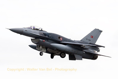 Turkish Air Force F-16CJ Fighting Falcon (07-1007; cnNV-7), tucking in its gear after take-off from Wittmund's RWY26 during another JAWTEX-mission.
