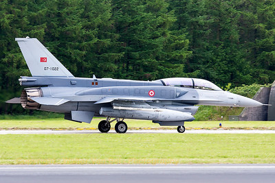 Turkish Air Force F-16DJ Fighting Falcon (07-1022; cnNW-8), on the taxitrack at Wittmund prior to another JAWTEX-mission.