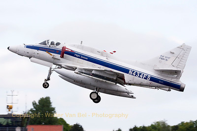 This A-4N Skyhawk (N434FS; cn14514) from BAE Systems Flight Systems is seen here on take-off from Wittmund's RWY26 in support of another mission during the JAWTEX-exercise.