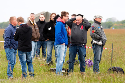 Photographers at rest - waiting for the return of the morning-wave - during the rather cold start of the Microspottersday at Wittmund...