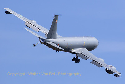 This French Air Force C-135FR Stratotanker (93-CA; 470; cn 18679) made a very nice photo-pass during the GRAS-organized spottersday at Gilze-Rijen (supported by DHC).