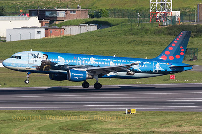 """Brussels Airlines Airbus A320-214 (OO-SNC; MSN1797), wearing the splendid c/s """"Magritte"""", touches down on Brussels' RWY01."""