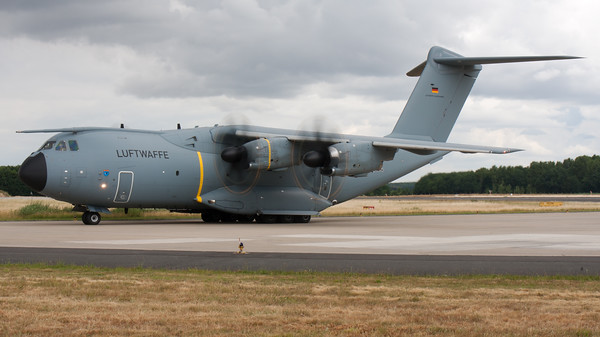 """German Air Force A400M """"Atlas"""" (54+04; msn035) from LTG62, seen turning onto the taxitrack at Geilenkirchen Air Base, during the spottersday for the celebration of """"35 Years NATO E-3A Component""""."""