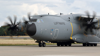"""German Air Force A400M """"Atlas"""" (54+04; msn035) from LTG62, seen on the taxitrack at Geilenkirchen Air Base, during the spottersday for the celebration of """"35 Years NATO E-3A Component""""."""