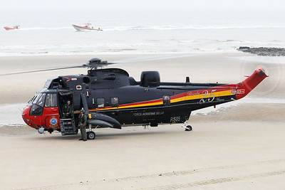 Belgian Air Force Sea King Mk48 (RS05, cnWA835), is seen here after having landed on the beach of Wenduine.
