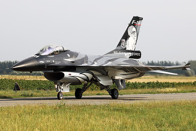 """The """"Dark Falcon"""" F-16AM (FA-101; cn6H-101), piloted by Stefan """"Vador"""" Darte, is seen here taxiing out towards the active runway, prior to the demo during the """"Koksijde Open Door 2019""""."""