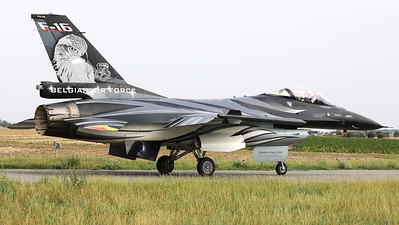 """The """"Dark Falcon"""" F-16AM (FA-101; cn6H-101), piloted by Stefan """"Vador"""" Darte, is seen here taxiing back to the apron, after the demo during the """"Koksijde Open Door 2019""""."""