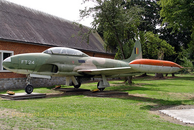 This T-Bird from the Belgian Air Force was taken on charge in 1954 and served till 1980, accumulating 1420 flying hours. It is here shown - preserved - at the Beauvechain Historical Center. The colors have faded since I last saw her (about 25 years ago)...