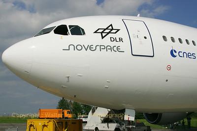 NOVESPACE_DLR-CNES-ESA_Airbus_A300B2-103_F-BUAD_cn003_EDDK_20070916_CRW_10327_RT8_WVB_1200px