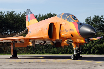 "Also the orange beauty (37+16, cn 4388) from WTD61 (Manching) was present at the spottersday for the celebration of ""50 years Phantom II"" & ""35 years Phantom in Germany""."