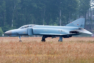 """Phinal landing"" phor this GAF F-4F Phantom II (37+22, cn4401), during the spottersday at Jever."