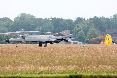 """Phinal landing"" phor this GAF F-4F Phantom II (38+33, cn4704), during the spottersday at Jever."
