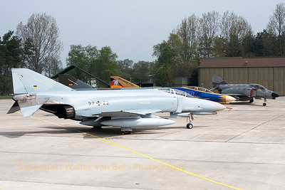 The number of active F-4F Phantom II's is reducing rapidly these days... 4 of them were present on the press-day, to show the celebration Phantom (40 years in service with the German Air Force) in her new c/s, together with 2 Phantom's in retro-c/s and this one (37+22, cn4401) in her most recent c/s of the last decade. End of June 2013, it will be all over for the mighty German F-4F Phantom II...