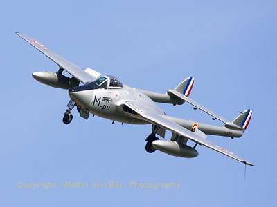 Warbird_Vampire-FB6_F-AZOP_Du-M_cn701_LFQI_20120329_IMG_33172_WVB_2000px