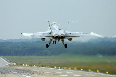 SwissAF_FA-18D_Hornet_J-5237_cn1339-SFD007_ETNG_20070617_CRW_8535_RT8_WVB_1200px